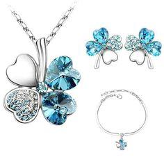 Swarovski® kristályokkal díszített ékszerszett Swarovski, Girls Jewelry, Pendant Necklace, Drop Earrings, Bracelets, Silver, Gold, Stuff To Buy, Jewellery