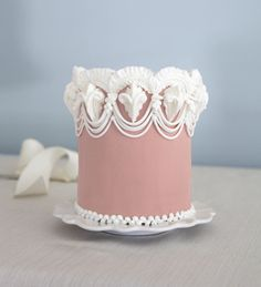 the Lambeth method: intricate royal icing overpiping amazingness!
