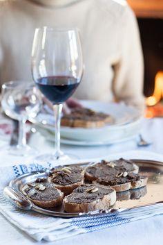 Crostini di Fegatini e Noci per il pranzo di Natale by Juls1981, via Flickr