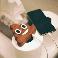 Emoji Universe: Poop Emoji Stuffed Portable Charger (Poop stuff Power Bank)By Jack&Chloe Usb, Emoji Caca, Batterie Portable, Capas Iphone 6, Gifts For Techies, Smartphone, Birthday Gifts For Teens, Birthday Presents, Teen Birthday