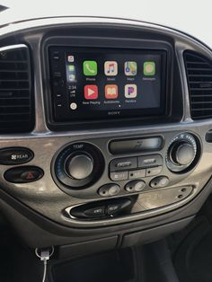 CarPlay Installs: Sony in a Toyota Sequoia - CarPlay Life Toyota Sequioa, 2000 Toyota Tundra, Tundra Trd, Holden Commodore, Rims And Tires, Toyota Trucks, Car Hacks, Jeep, Lion Art