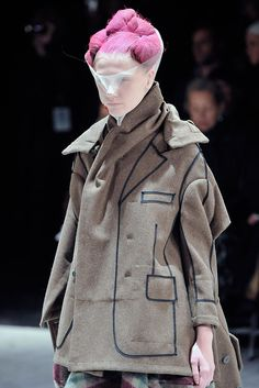 Comme des Garçons - Fall 2009 Ready-to-Wear - Look 92 of 116