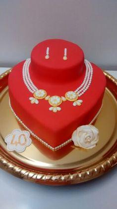 Bolo do meu aniversario (Meine Geburtstagstorte) - Birthday Cake Flower Ideen Unique Cakes, Creative Cakes, Pretty Cakes, Beautiful Cakes, Fondant Cakes, Cupcake Cakes, Heart Shaped Cakes, My Birthday Cake, Cakes For Women