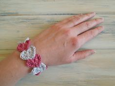 heart bracelet - free crochet pattern-HappyBerry