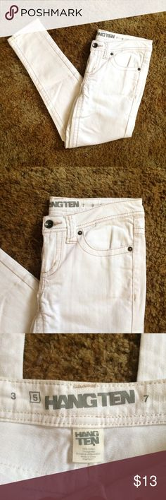 Hangten White Skinny Jeans Hangten brand | Size: 5 | Cotton blend | White with gold/tan stitching | Zero flaws | Tags: #hangten #skinnyjeans #whitejeans Hangten Jeans Skinny