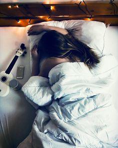 Nice 2 days w/ Amy . . . . . . #follow #like #followme #bedroom #myroom #lights #pinterest #tumblr #tumblrgirl #good #morning #model #feed…
