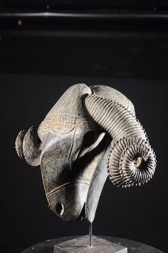 Masque de réjouissances Bélier - Baoulé - Côte d'Ivoire - Objet n°4765 - Galerie Bruno Mignot