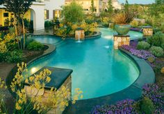 Who said pools have to be squared? Check out this freeform Lincoln. What do you think?