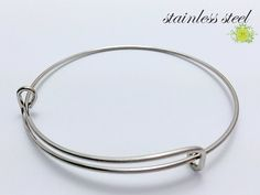 Stainless Steel Bangles-Expandable Bracelet-Adjustable Bracelet-Stainless Steel Wire Bangle Bracelet-Expandable Bangle Bracelets-Select Qty   --------------------------------   ✿Quantity:Select your favoriute quantity in the drop down menu ✿Material: High Quality Stainless Steel . These are NOT plated and and will not tarnish, chip or discolor . ✿Color : The natural color of stainless steel ✿Size : Fully Adjustable 65mm-75mm Inside Diamter (Fits Up To 8 1/2 Wrist) ✿Package: bag one by on...
