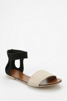 Deena & Ozzy Modern Cutout Sandal