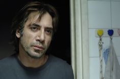 Mr. Bardem is certainly the most famous Spanish actor of our generation thanks to his diverse performances and chameleon-like ability to change personas. Au