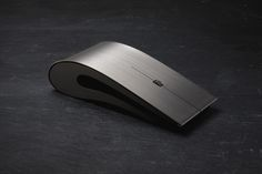 If you have a spare few hundred pounds lying around and you are thinking about buying a new mouse, then it would seem that Intelligent Design has one just for you. This is the Intelligent Design Ti… Geek Gadgets, High Tech Gadgets, Cool Gadgets, Office Gadgets, Intelligent Design, Magic Mouse, Technology Design, Technology Gadgets, Narrativa Digital
