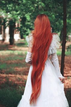 """groteleur: """" More beauty girls with long hair > """" submit your redhead pride here Long Red Hair, Very Long Hair, Beautiful Red Hair, Beautiful Redhead, Scene Hair, Ginger Hair, Pretty Hairstyles, Hair Goals, Redheads"""
