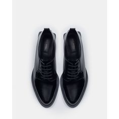Zara Flat Leather Shoes With Block Heel (535 NOK) via Polyvore featuring shoes, zara footwear, leather footwear, genuine leather shoes, zara shoes and leather shoes