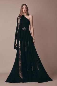 Elie Saab Pre-Fall 2019 Fashion Show Looks – Designers Outfits Collection Ball Dresses, Ball Gowns, Evening Dresses, Club Dresses, Elegant Dresses, Pretty Dresses, Couture Dresses, Fashion Dresses, Fashion Clothes