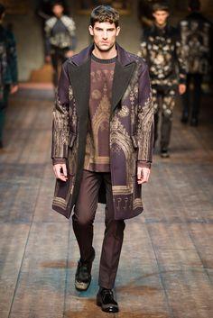 Dolce & Gabbana - Men Fashion Fall Winter - Shows - Vogue.it Dope Fashion, Fashion Show, Mens Fashion, Fashion Design, Milan Fashion, Fashion Menswear, Fashion Fall, Fashion 2020, Fashion Details