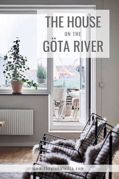 This stunning house on the Göta River has distinguishing features of the Swedish design style that are not only functional but inviting, warm and elegant. Swedish Style, Swedish Design, Nordic Design, Nordic Style, Farmhouse Interior, Farmhouse Design, Farmhouse Style, Country Style, Swedish Interiors