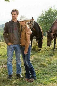 Amy And Ty Heartland, Heartland Tv Show, Ty Et Amy, Amber Marshall, Want To Be Loved, Engagement Pictures, Favorite Tv Shows, It Cast, Entertaining