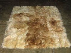 Baby alpaca fur carpet from the Andes of Peru, white and brown spots