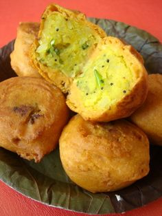 Batata Vada - Vada Pao Recipe- How to make Maharastrian Batata Vada & All Recipes Chaat Recipes Indian Snacks and Starter Recipes Indian Vegan Recipes Indian Vegetarian Recipes Indian Food Recipes Indian Fast Food, Indian Food Recipes, Vegetarian Recipes, Snack Recipes, Cooking Recipes, Andhra Recipes, Dishes Recipes, Pasta Recipes, Indian Appetizers
