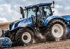 Tractor Pictures, New Holland Tractor, Ford Tractors, Abs, Farming, Trailers, Vehicles, Natural, Tractor