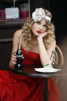 Taylor Swift  - I just love this picture ~Donna