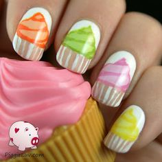 PiggieLuv: More cupcakes on my nails! Hand painted nail art