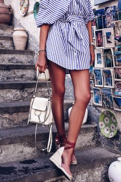 Striped blue and white summer shirt dress, espadrilles, and a white Chloe backpack - super cute and easy outfit White Summer Outfits, Summer Wedding Outfits, Simple Outfits, Elf Fancy Dress, Summer Dress Outfits, White Shirt And Jeans, Striped Shirt Dress, Summer 2016 Trends, Summer Family Photos