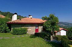 Descubra a Casa de Cima de Eiriz no Monte da Penha, Calvos em Guimarães   Escapadelas   #Portugal