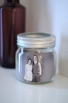 DIY - Norgesglass som en dekorativ ramme www.kretido.com Mason Jars, Interior, Crafts, Pictures, Manualidades, Indoor, Mason Jar, Interiors, Handmade Crafts