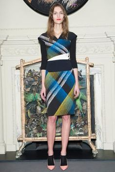 Roland Mouret Pre-Fall 2015 Fashion Show: Complete Collection - Style.com