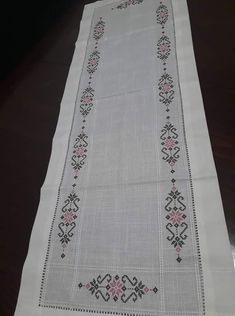 Hand Embroidery, Cross Stitch Patterns, Bohemian Rug, Diy And Crafts, Crochet, Design, Home Decor, Cross Stitch Embroidery, Table Runners