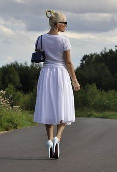 http://chicisimo.com/fashion/fashionista/lala1