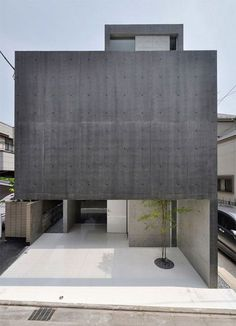 japanese architect shigeru fuse of fuse-atelier has recently completed 'house in kaijin', a single family residence located in funabashi, japan.