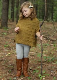 orgu-cocuk-panco-modelleri-ve-yapilisi- Stricken Kinder Poncho Modelle und Bau – Erzählte Kinder Poncho Bau – Hobby Works This image has. Knitting For Kids, Knitting Projects, Baby Knitting, Crochet Projects, Crochet Baby, Knit Crochet, Poncho Mantel, Baby Pullover, Knitted Poncho