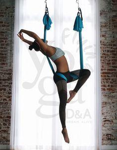Difficult Yoga Poses, Easy Yoga Poses, Yoga Poses For Beginners, Aerial Yoga Hammock, Aerial Silks, Aerial Dance, Mode Kpop, Yoga Photography, Yoga Inspiration