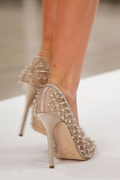 Oscar de la Renta Spring 2014 RTW - Details - Fashion Week - Runway, Fashion Shows and Collections - Vogue