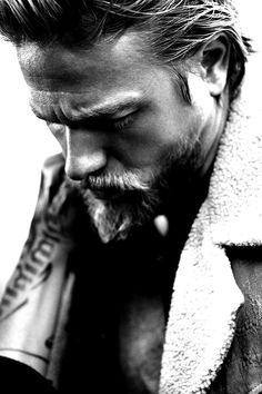 Charlie Hunnam Jax on Sons of Anarchy, and a very interesting and artistic portrait of him. Thank You Lord, Sons Of Anarchy, Gorgeous Men, Beautiful People, Beautiful Gorgeous, Beautiful Things, Fotografie Portraits, Foto Portrait, Charlie Hunnam Soa