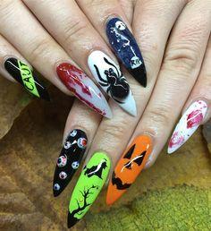 10 Impressive Nails Design For The Halloween Fanatic Nail Line Holloween Nails, Halloween Acrylic Nails, Halloween Nail Designs, Best Acrylic Nails, Cute Nail Designs, Holiday Nails, Christmas Nails, Halloween Christmas, Love Nails
