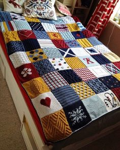 Again it's knit & patchwork blanket but i love it! Just pic for inspiration. Patchwork Best Picture For patchwork quilting for sale For Your Taste You are looking for something, and it Knitting Squares, Knitting Stitches, Knitting Patterns Free, Free Knitting, Baby Knitting, Square Blanket, Afghan Blanket, Knit Blanket Squares, Manta Crochet