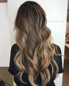Buttery beige blonde balayage