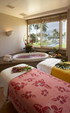 Simon and I decided to take advantage of the couples message and bath here at the Grand Wailea Spa