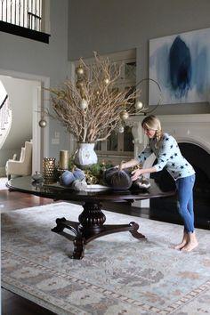 fall-dining-room-decor-how-to-decorate-a-dining-room-for-fall-tips-and-pictures-diningroom-fall-falldecor-howtodecorateforfall Home Bunch Beautiful Homes of Instagram bluegraygal