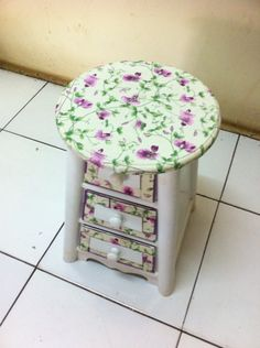 Chair cabinet with vintage look