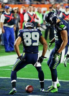 New England Patriots vs. Seattle Seahawks - Doug Baldwin #89 of the Seattle Seahawks celebrates after catching a three yard touchdown pass against the New England Patriots in the third quarter during Super Bowl XLIX at University of Phoenix Stadium on February 1, 2015 in Glendale, Arizona. (Photo by Ronald Martinez/Getty Images)