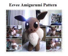 Eevee (Pokemon) Amigurumi ~ Free Pattern here: http://maistashio.deviantart.com/art/Eevee-Amigurumi-Pattern-372447103