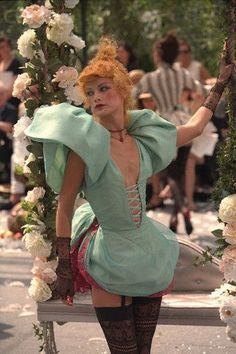 John Galliano for The House of Dior, Autumn/Winter Haute Couture Fashion History, 90s Fashion, Fashion Art, Editorial Fashion, Runway Fashion, High Fashion, Fashion Beauty, Fashion Show, Vintage Fashion