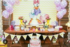 Top colors to decorate 2019 parties with 2020 prediction - Celebrat : Home of Celebration, Events to Celebrate, Wishes, Gifts ideas and more ! Pink Party Decorations, Girl Baby Shower Decorations, Party Themes, Minnie Mouse Baby Shower, Minnie Mouse Party, Daisy Duck Party, Barbie Theme, Donald And Daisy Duck, Birthday Wall