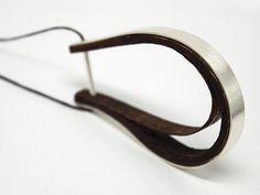 surfy wood necklace u - odd-studio jewellery