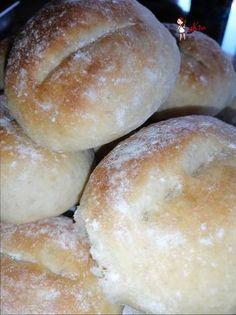 Bread Machine Recipes, Bread Recipes, Cake Recipes, Portuguese Rolls Recipe, Carb Free Bread, Dinner Rolls Recipe, Bread Rolls, Dry Yeast, Sweet Tooth